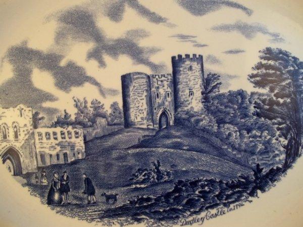 "Platte, mittel ""Old Britain Castles"" Blau"