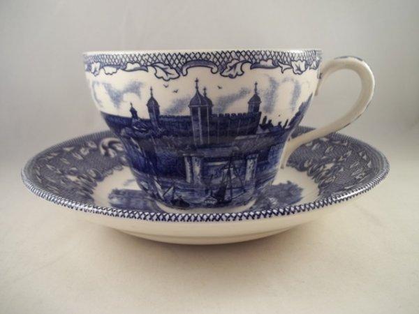 "Milchkaffeetasse mit Untere ""Old London"" Blau"