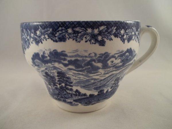 "Kaffeetasse ""Lochs of Scotland"" Blau"